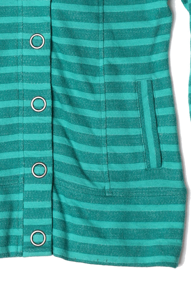 DETAIL OF POCKET ONSTRIPED WOMEN'S BUTTON UP SWEATSHIRT IN SHADY GLAD