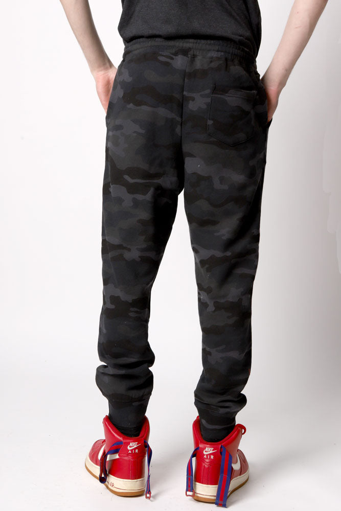 camo Water tower Embroidery sweat pant in mid weight fabric