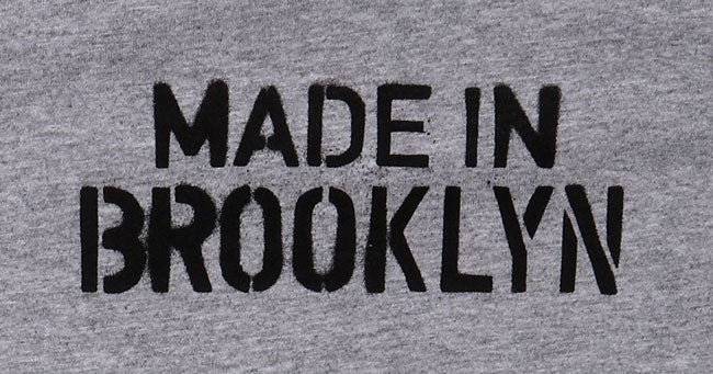 DE TAIL OF SPRAY PAINT STYLE 'MADE IN BROOKLYN' TEXT ON GREY TODDLER T-SHIRT