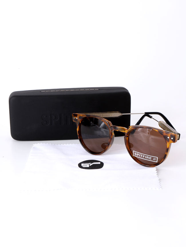 SUN GLASSES, RAG AND CARRYING CASE