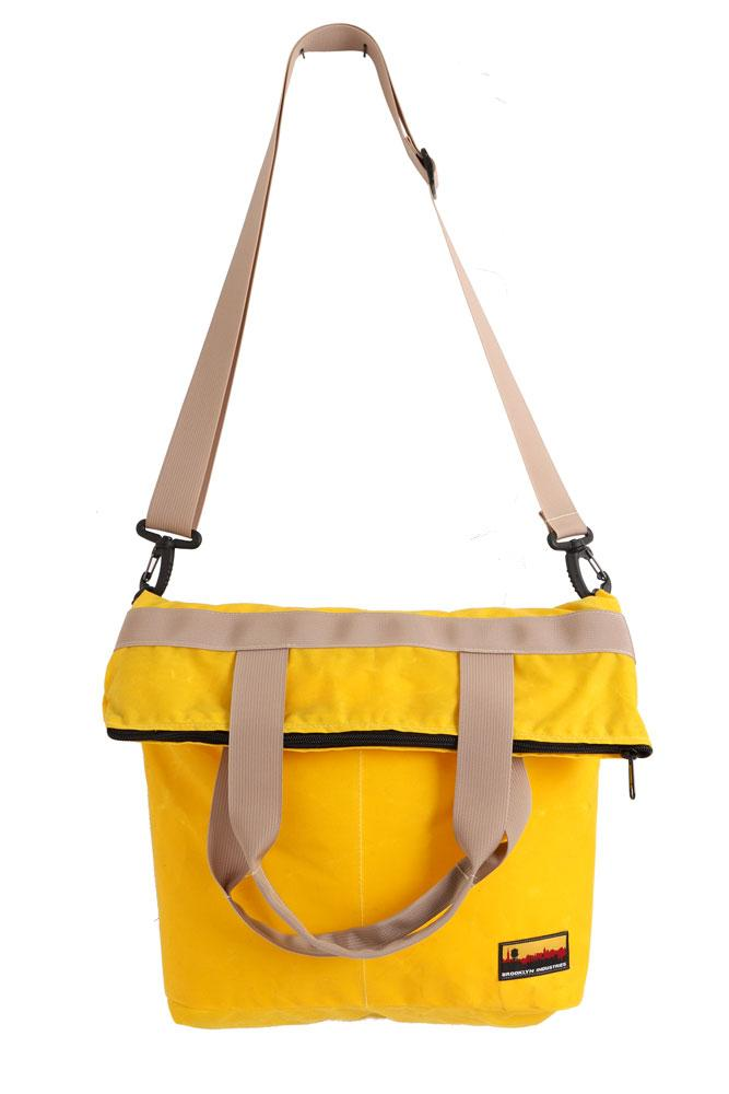 HANGING YELLOW ZIP MESSENGER BAG IN WAXED CANVAS