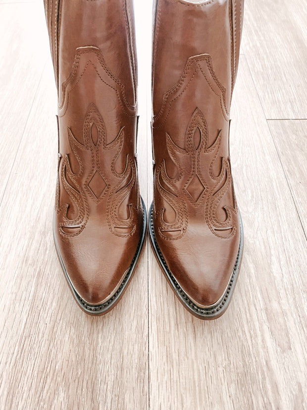 Made for Walking Boots - Welles & Company