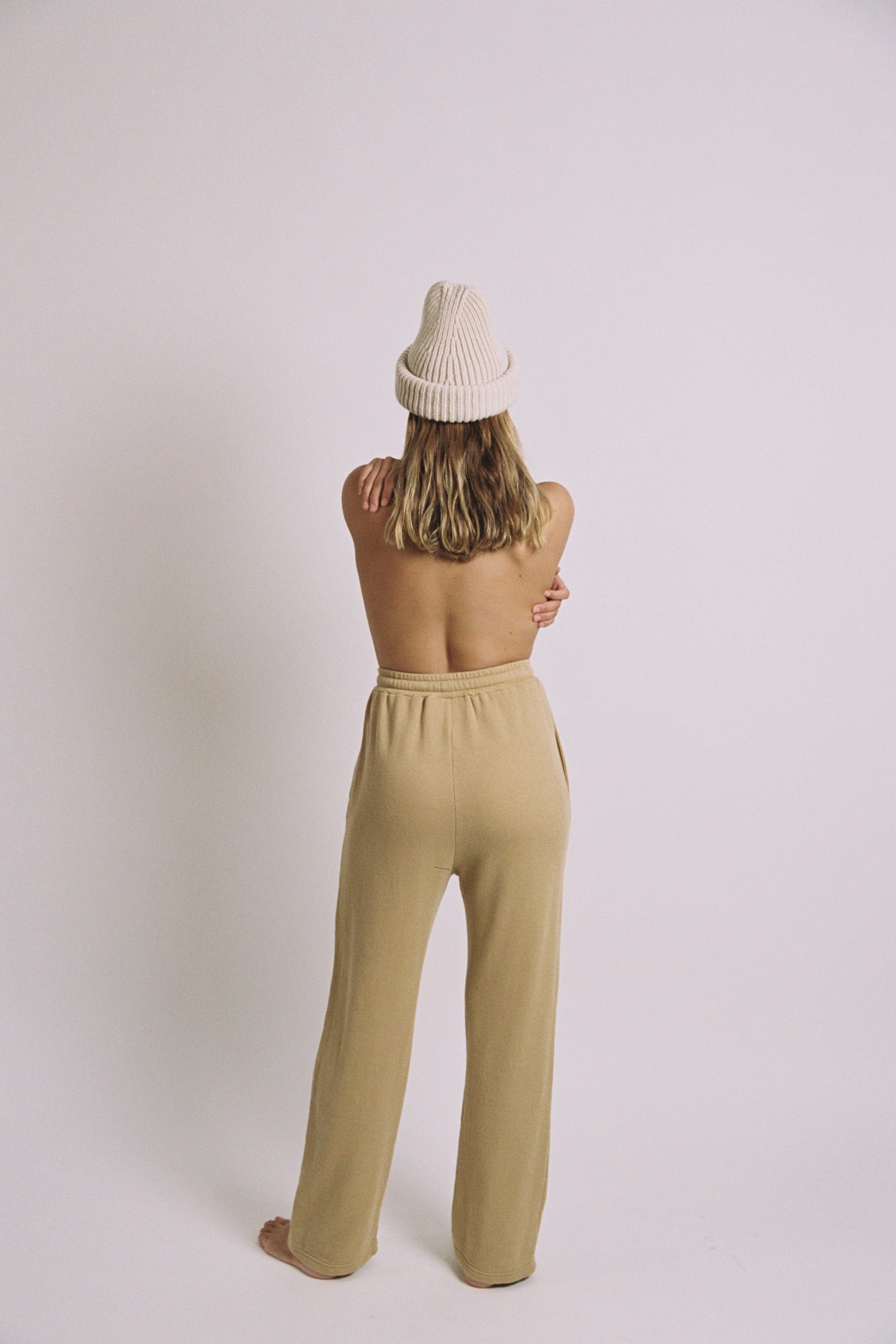 Pleated Jogging Pants in Curry