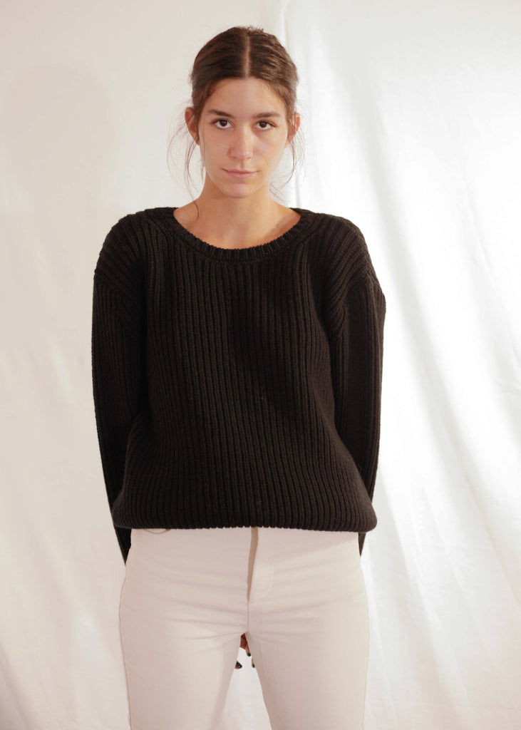 Chunky Knit Pullover in Black