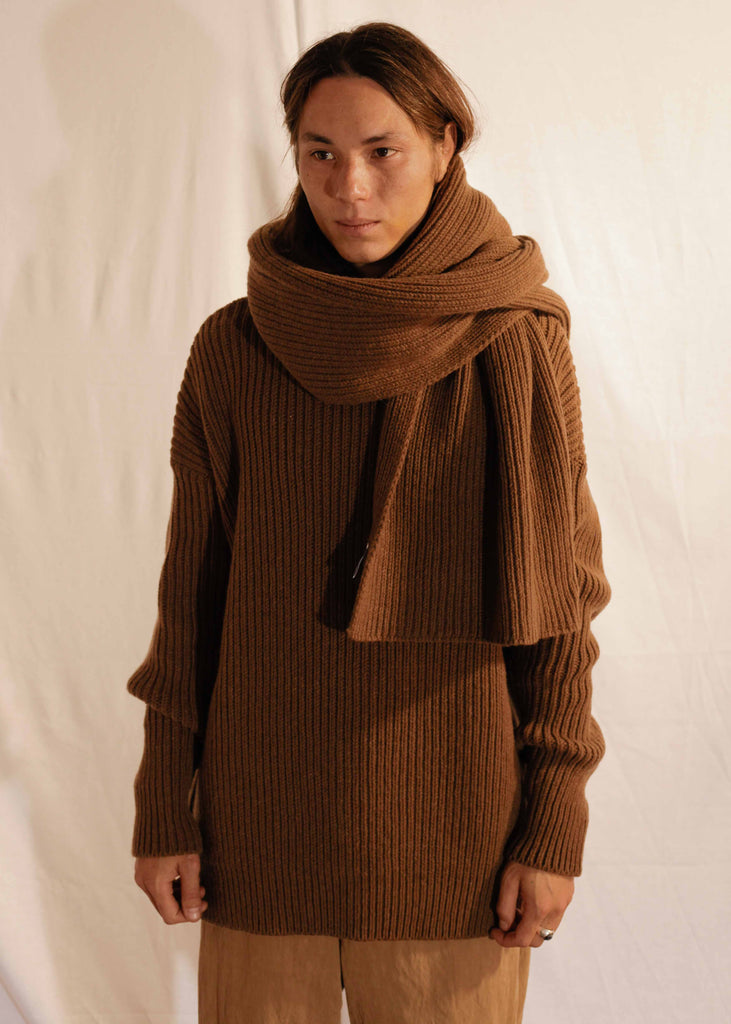 Chunky Knit Scarf in Brown