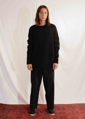 Chunky Unisex Knit Pullover in Black