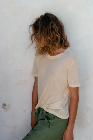 Relax T-Shirt S/S in Macadamia