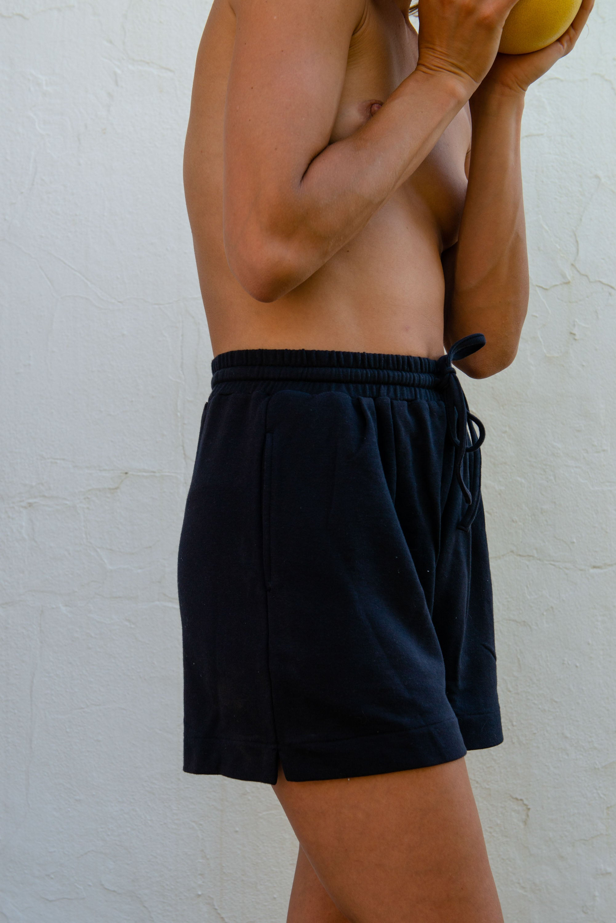 Vera Shorts in Dark Navy