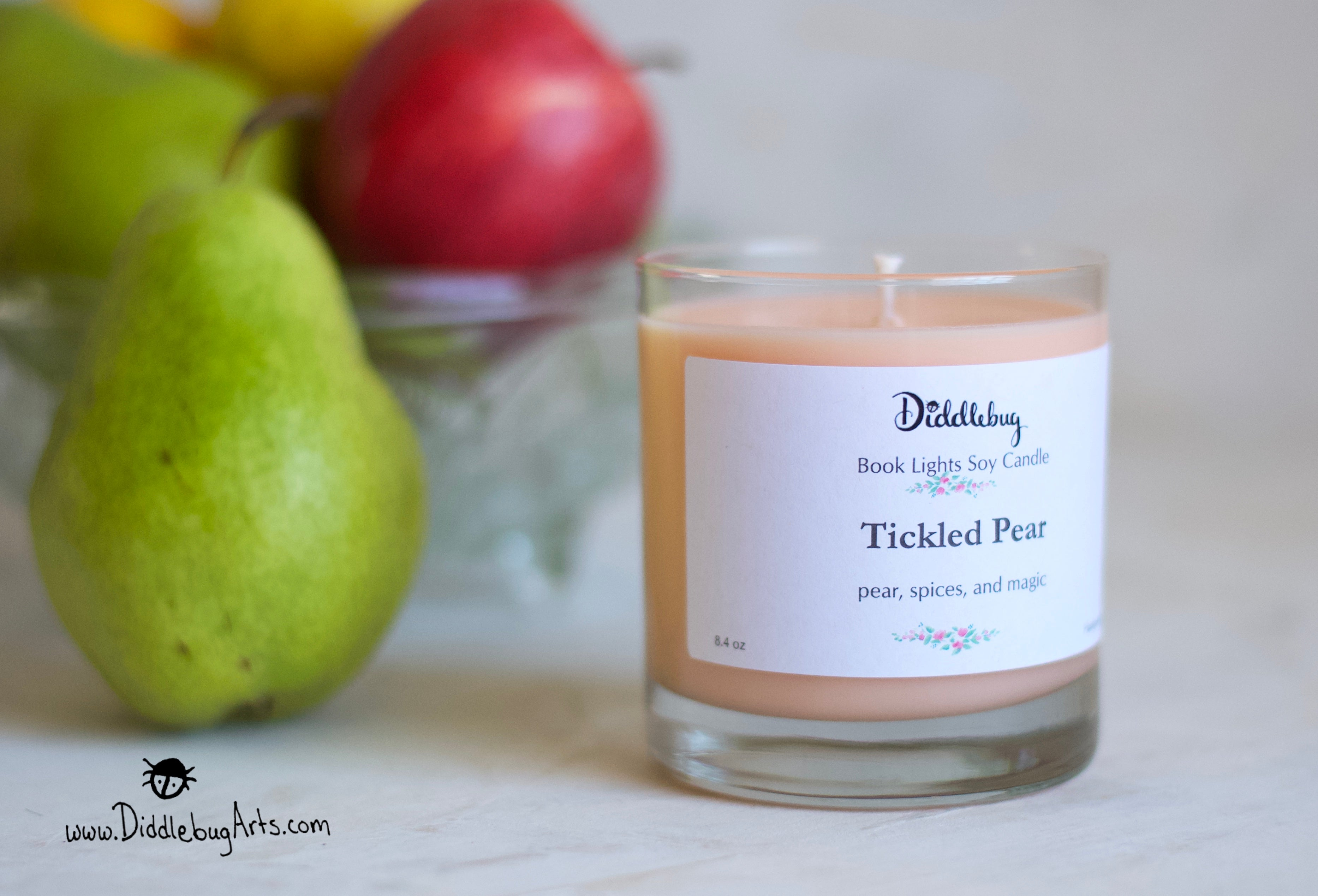 Pear scented soy candle inspired by Harry Potter books