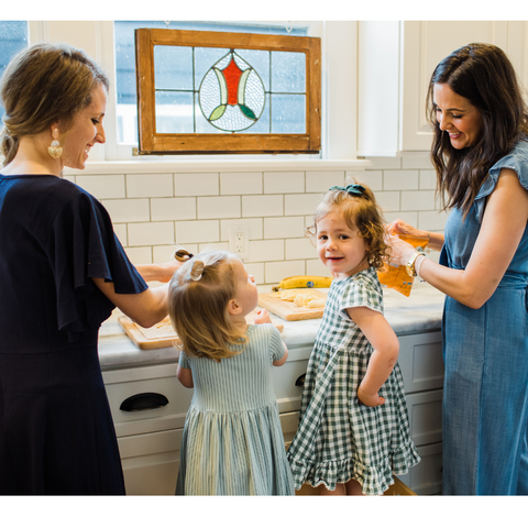 moms cooking with daughters