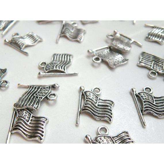 10 USA American flag charms antique silver 18x15mm P13663