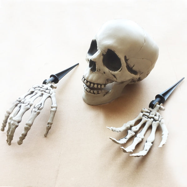 Halloween Skeleton Lawn Stakes Set Plastic Hands and Skull Haunted House Escape horror props Halloween Decorations