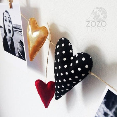 Valentine Hearts Garland - Valentines Day Room Decoration Banner - Heart Bunting - Valentine Gift - Burgundy Black Gold Hearts - Wall Decor