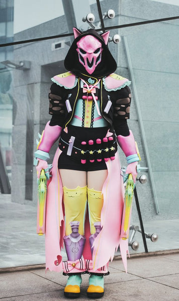 Kawaii Reaper highly detailed cosplay costume, Nevermore kawaii skin from Overwatch Video game
