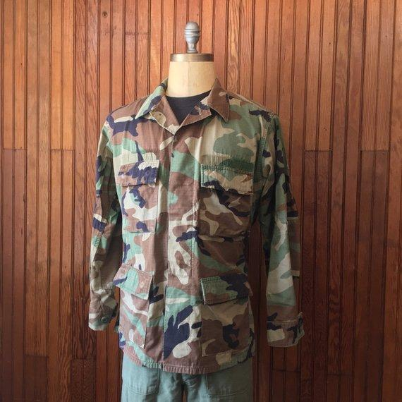 U.S. Military Large 80s Era Fatigue Woodland Camo Lightweight Jacket Cotton Men's Vintage