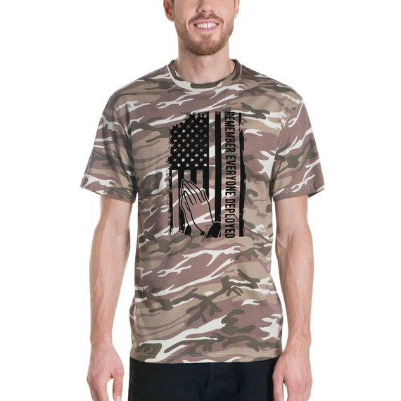 Remember Everyone Deployed Short-sleeved camouflage t-shirt