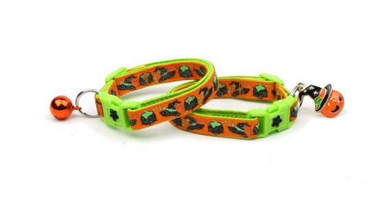 Halloween Cat Collar -Witches Brew on Orange and Green - Kitten or Large Size - Halloween Cat Collar