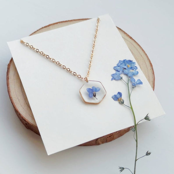 Hexagon Forget Me Not Resin Necklace, Real Flower Jewelry, Real Flower Necklace, Resin Jewelry, Pressed Flower Jewelry,Gold Hexagon Necklace