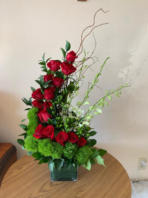 GLW127 - SPIRAL ROSES, DENDROBIUM ORCHIDS AND GREENERY