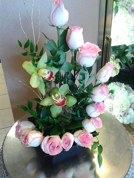 GLW150 - SPIRAL PINK ROSES WITH ORCHIDS AND GREENERY