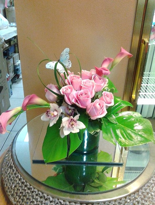 GLW152 - PINK ROSES, CALLAS, ORCHIDS AND GREENERY WITH SILK BUTTERFLY