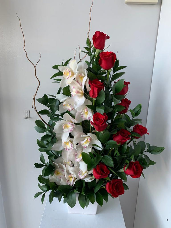 GLW141 - RED ROSES AND WHITE ORCHIDS