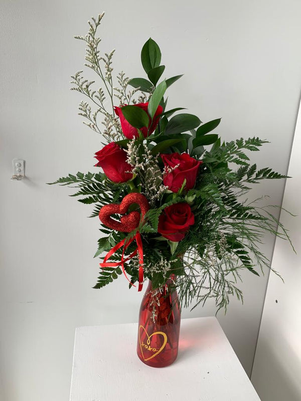 GLW130 - RED ROSES AND GREENERY - SMALL VASE WITH DECORATIVE HEARTS