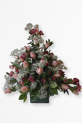 GLW053 - 24 PEACH ROSES AND GREENS (Cube Vase)