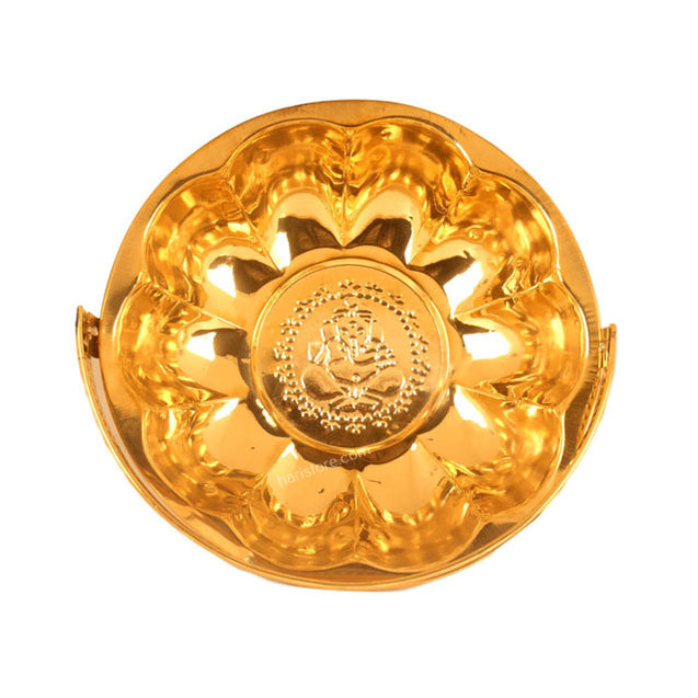 Round Shaped Pooja Article Holder With Handle