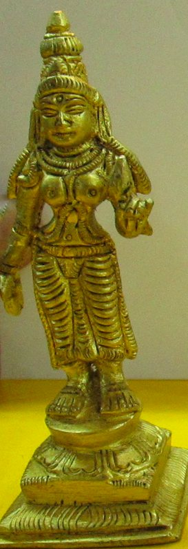 Perumal and Ubhaya Nachiyars: 3 Vigraham Set (Antique Brass)