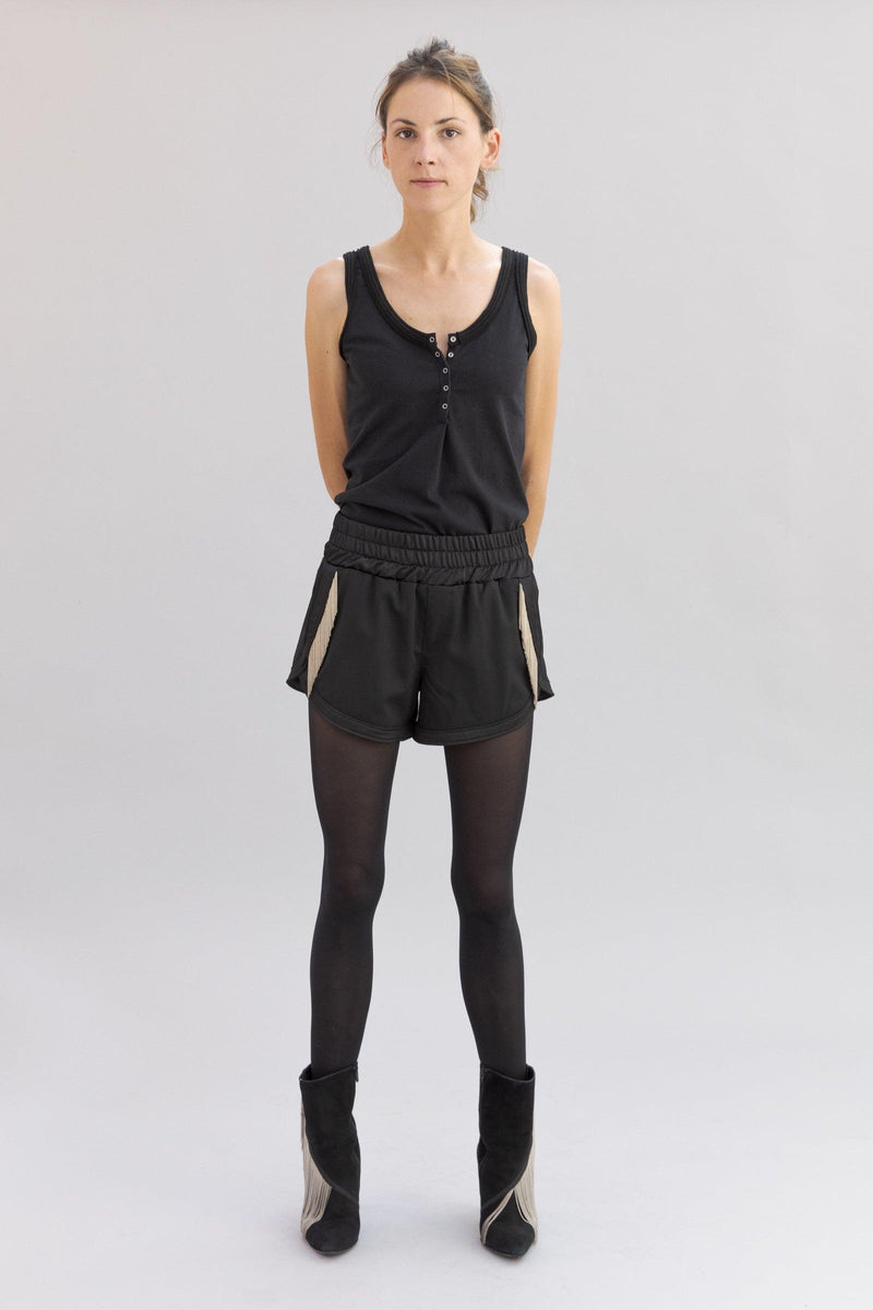 SARAH DE SAINT HUBERT black boxer shorts made of light virgin wool with hand embroidered chains. A feminine and flattering fit.