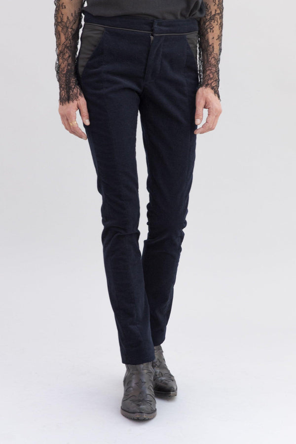 SARAH DE SAINT HUBERT navy trousers made of rib velvet. Feminine rock'n'roll silhouette and straight fit.