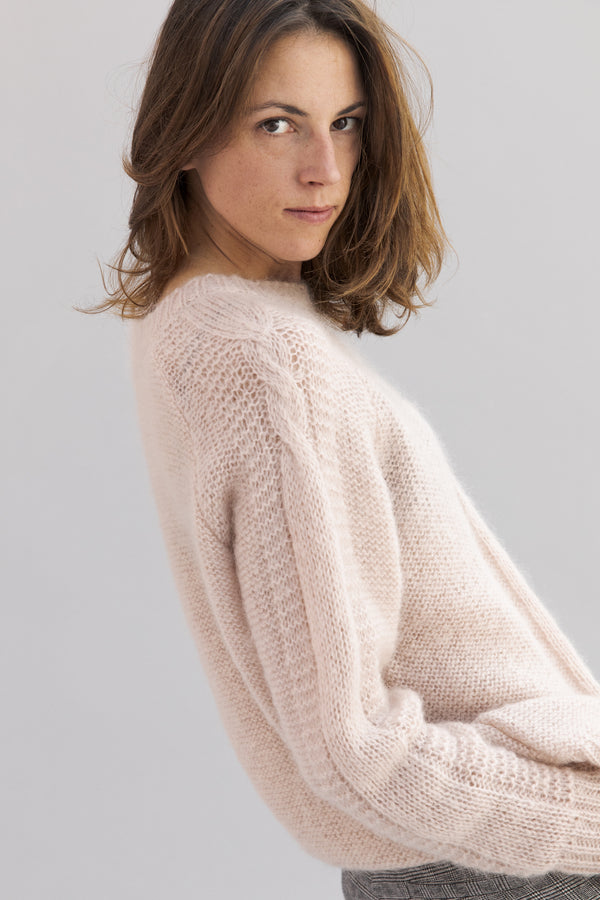 SARAH DE SAINT HUBERT poudre knit jumper made of mohair. A timeless jumper with a straight/relaxed fit.