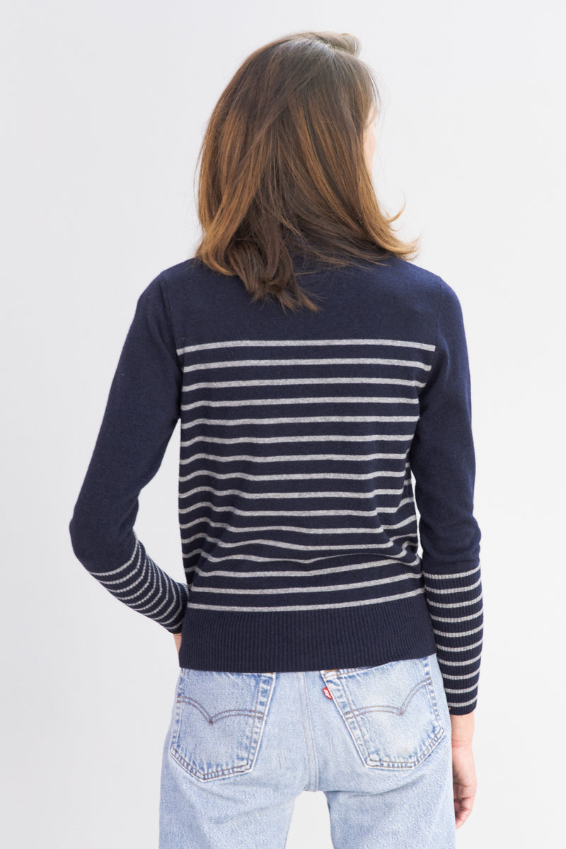 SARAH DE SAINT HUBERT navy with light grey stripes crew neck knitted jumper made of viscose - cahsmere blend. A timeless knitted 'marnière' style jumper with a straight/relaxed fit.