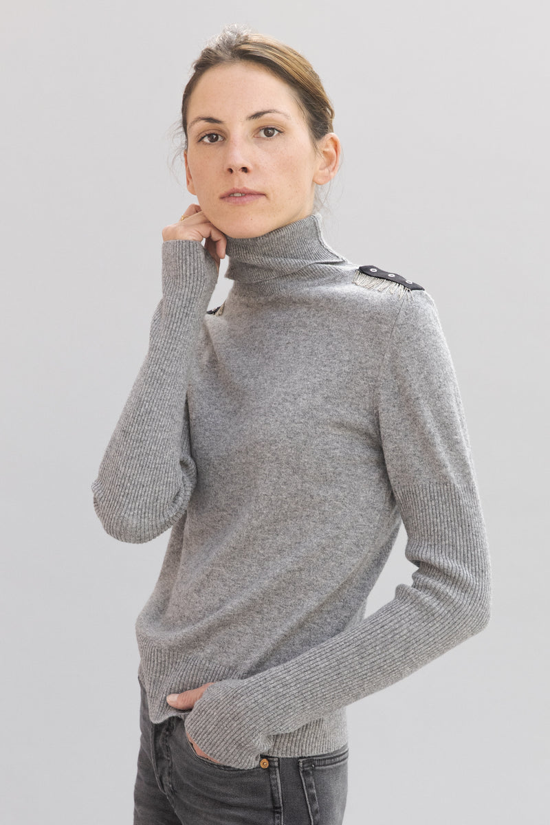 SARAH DE SAINT HUBERT light grey fine roll-neck knitted jumper made of viscose - cashmere blend with hand embroidered chains. Boyish and straight fit.