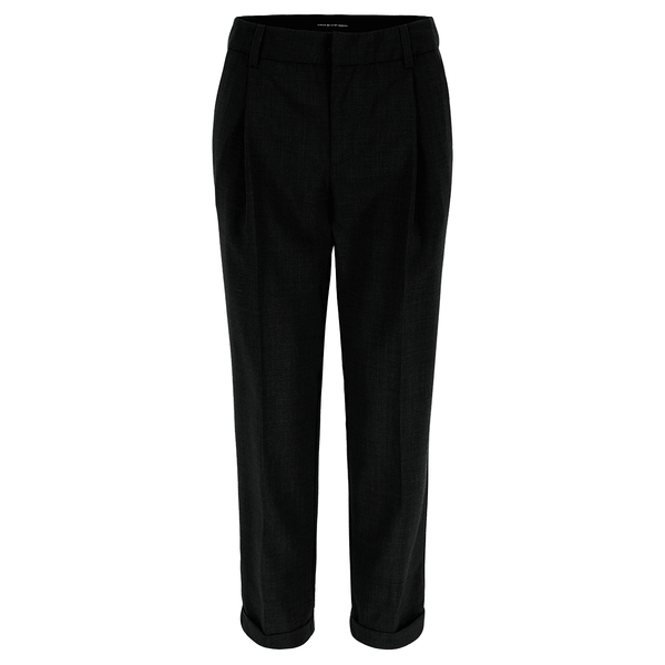 SARAH DE SAINT HUBERT black straight trousers made of virgin wool blend with 2 pockets and 2 pleats at the frontside. A feminine, slightly cropped and flattering fit.