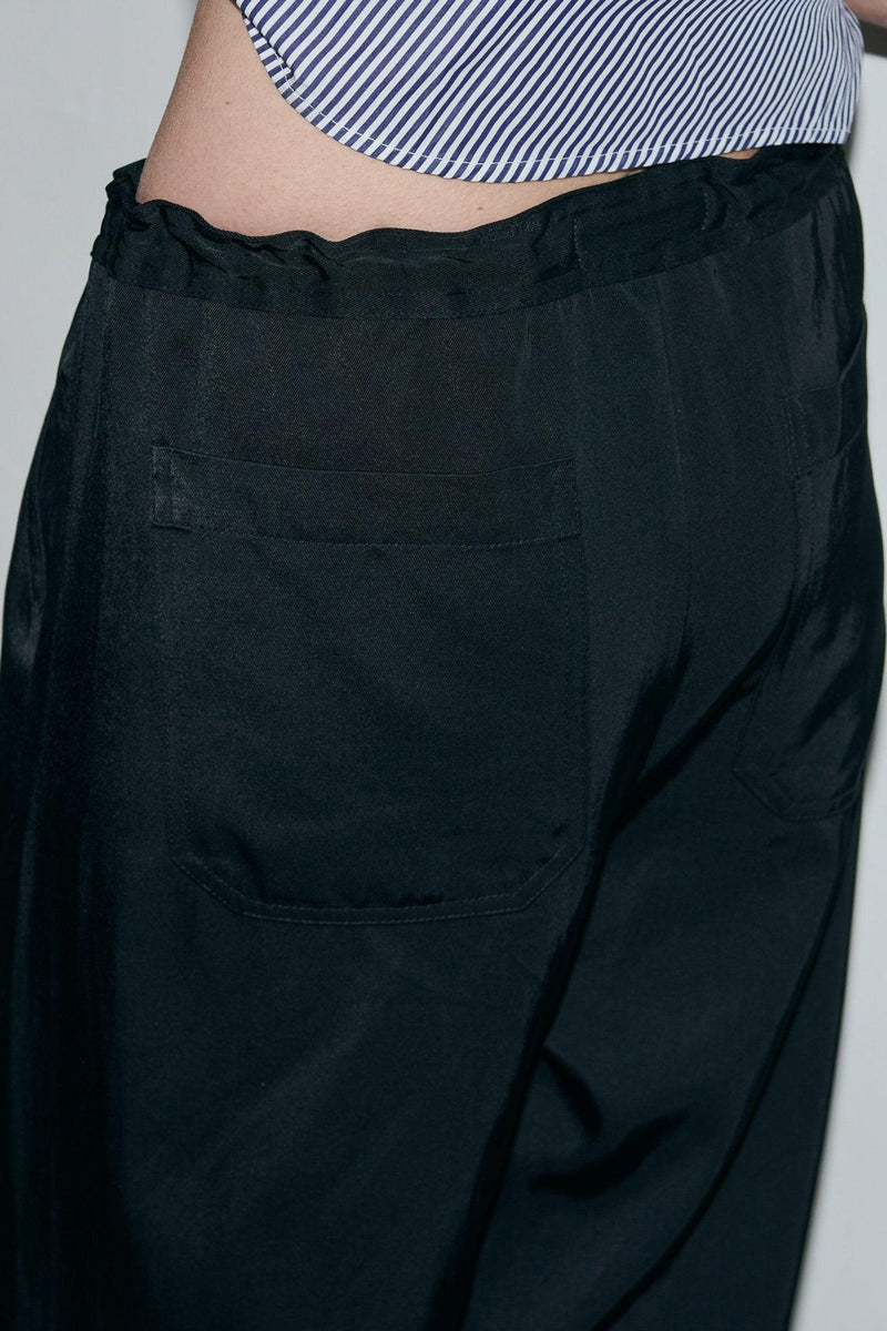 SARAH DE SAINT HUBERT black trousers made of viscose - cotton with wide, straight legs. Fluid, comfy and relaxed fit.