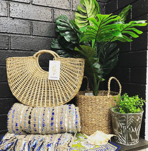 Small Retro Seagrass Open Weave Hand Basket