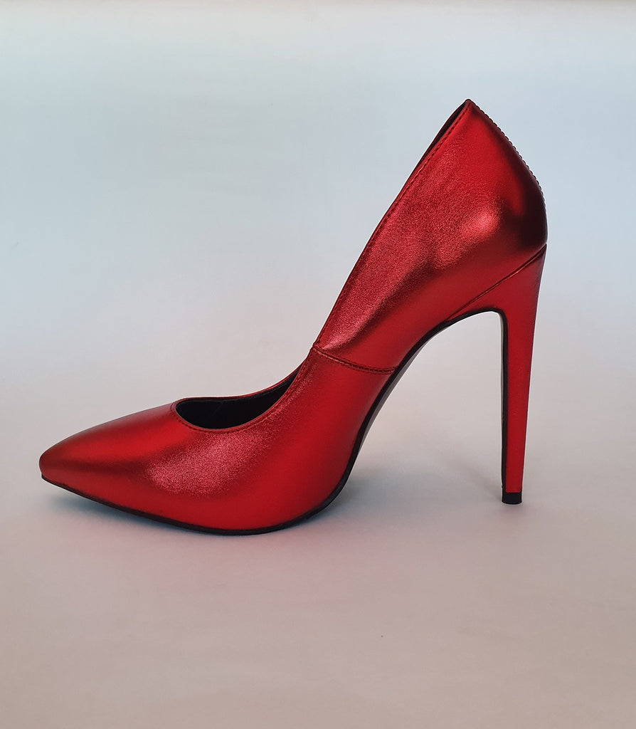 Dorothy Court Shoe (Red)