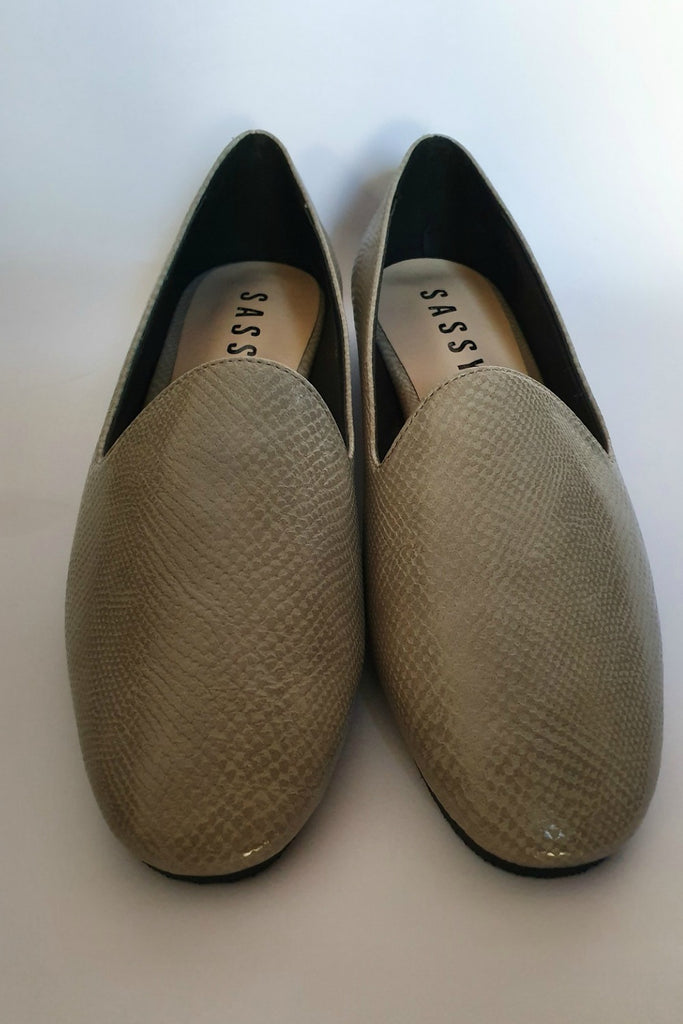 Nina' Flat Loafer Grey