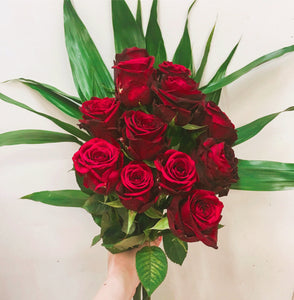 (V1) Romantic Red Roses