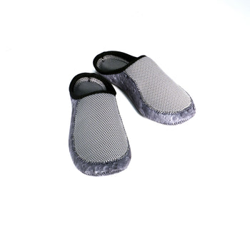 Accessories | Slipper - Size: L (Men's US Size 8.5 / Women's US Size 9.5)