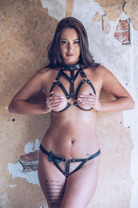 The 7880 Leather Collar Bra and Thong Starlight set