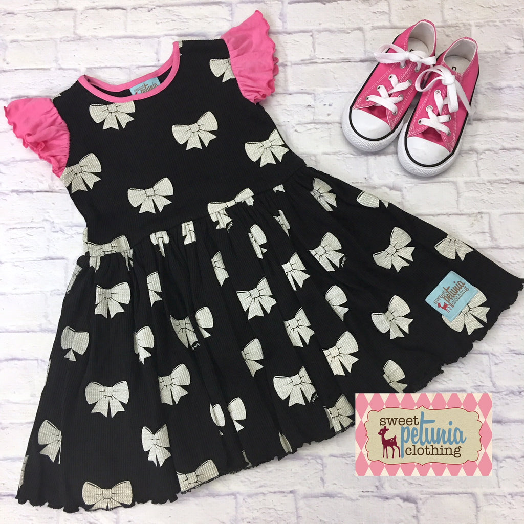 Black and Pink Bow Waffle Weave Dress