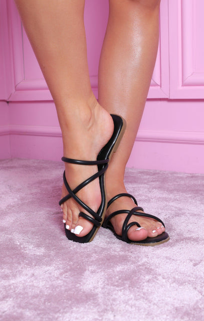 Black Flat Strappy Toe Ring Sandals - Lily