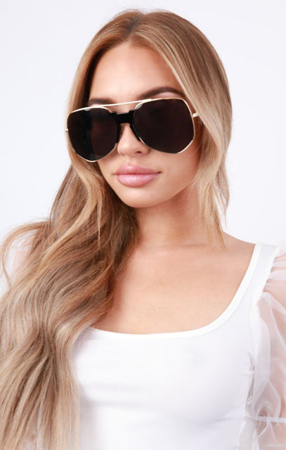Black Large Aviator Gold Frame Sunglasses - Leia