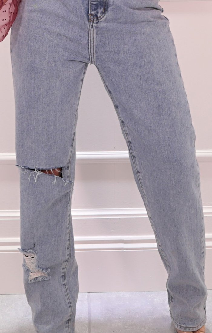 Light Wash Loose Fit Ripped Jeans - Valerie