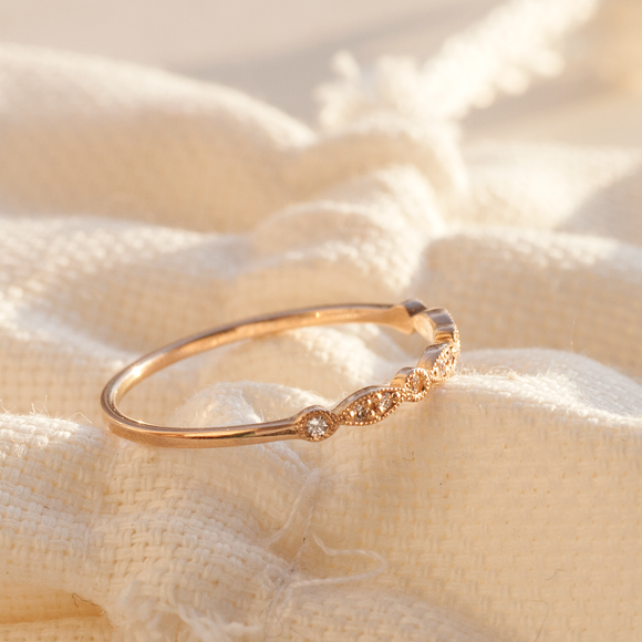 Five Reasons to Take Notice of Dainty Rings