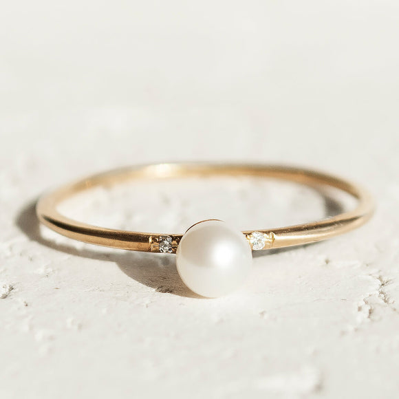 June birthstones-pearl