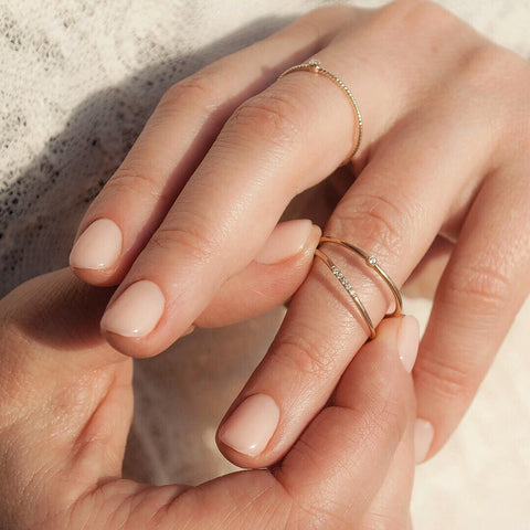 dainty-engagement-rings-photo